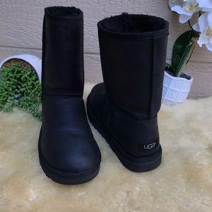UGG Classic Short ♥️Leather Boots womens Sz 11